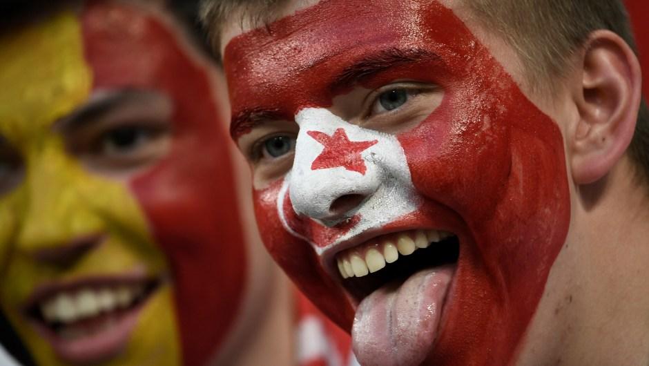 Un fanático de Túnez posa antes del partido ante Panamá. (Crédito: FILIPPO MONTEFORTE/AFP/Getty Images)