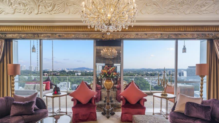'Suite' Presidencial: La 'Suite' Presidencial del St. Regis tiene 335 metros cuadrados uy se encuentra en el último piso del hotel. Es la más grande de la propiedad.