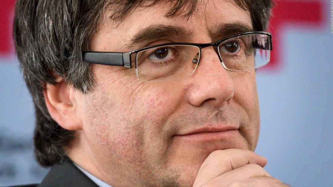 Juez retira órdenes de detención contra Puigdemont