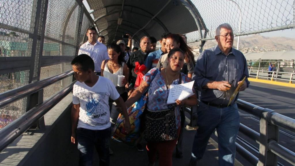 En EE.UU. las familias esperan reunificarse con los 3.000 niños en custodia