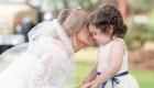 Niña llevó los anillos en la boda de su donante de médula