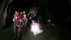 Momento en que rescatistas hallan a niños en cueva en Tailandia