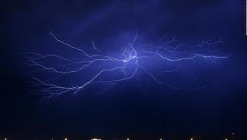 Cómo prevenir el impacto de un rayo durante una tormenta eléctrica