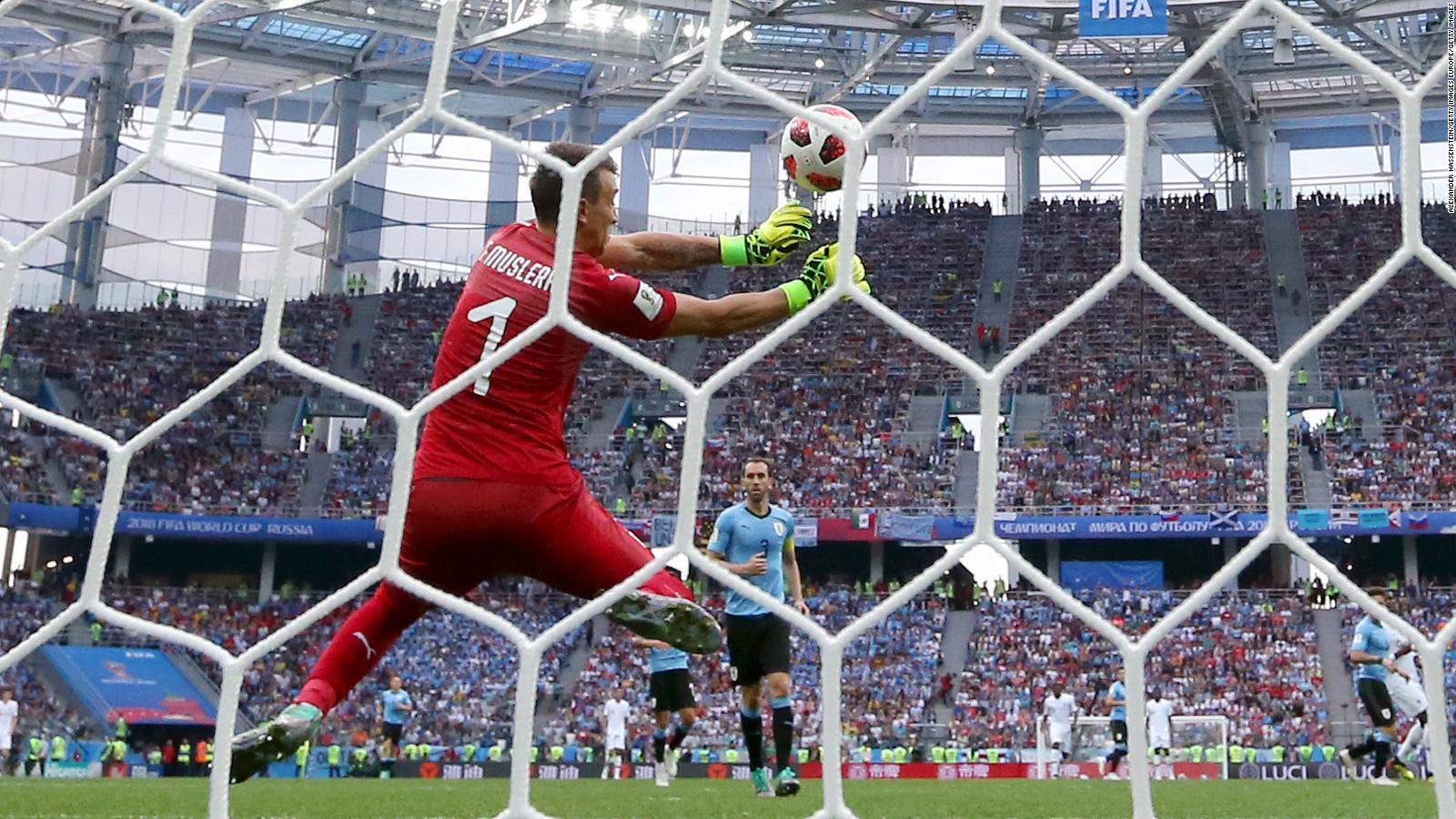 Uruguay es eliminado del Mundial por Francia | Video | CNN
