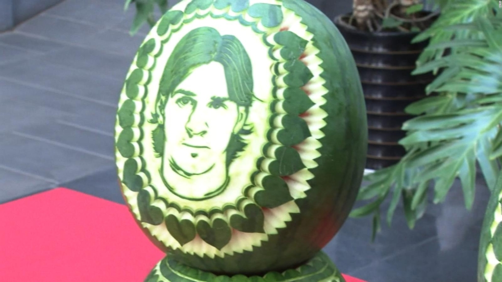 #LaImagenDelDía: chef se inspira en figuras del fútbol