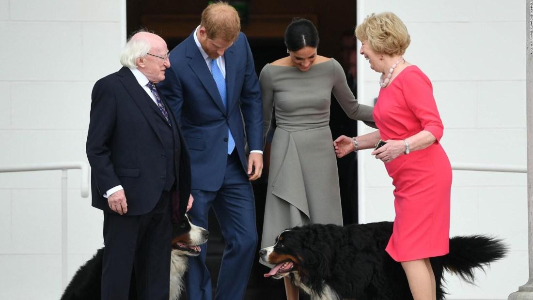 El duque y la duquesa de Sussex reciben una cálida bienvenida en Dublín