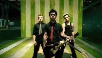 """Popularizan el tema """"American Idiot"""" de Green Day en Gran Bretaña por la visita de Trump"""