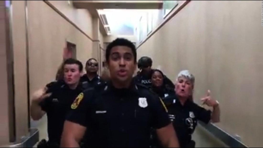 Policías de Virginia se inspiran con la música de Bruno Mars