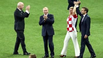 Presidentes olvidan los protocolos en el Mundial