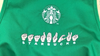 Ya podrás ordenar café en Starbucks con lenguaje de señas