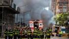 Tubería subterránea de vapor explota en Manhattan