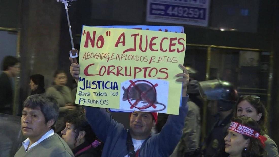 Protestas por crisis en el sistema judicial peruano