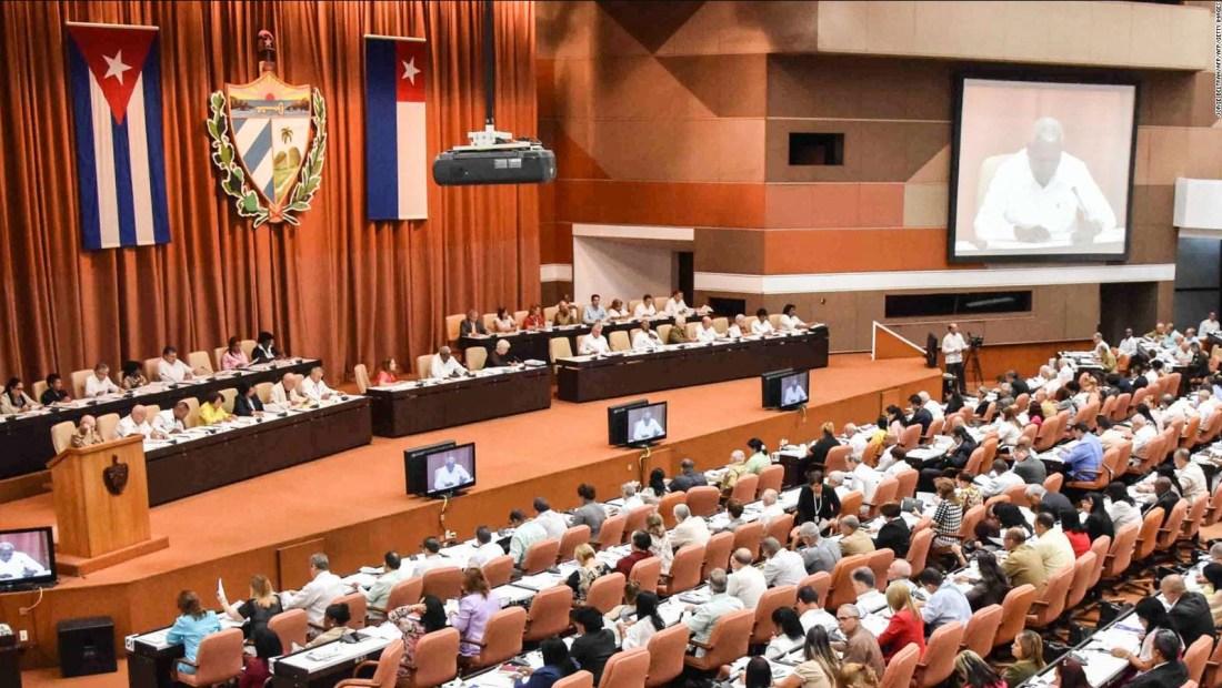 Análisis de discusiones sobre cambios en Cuba