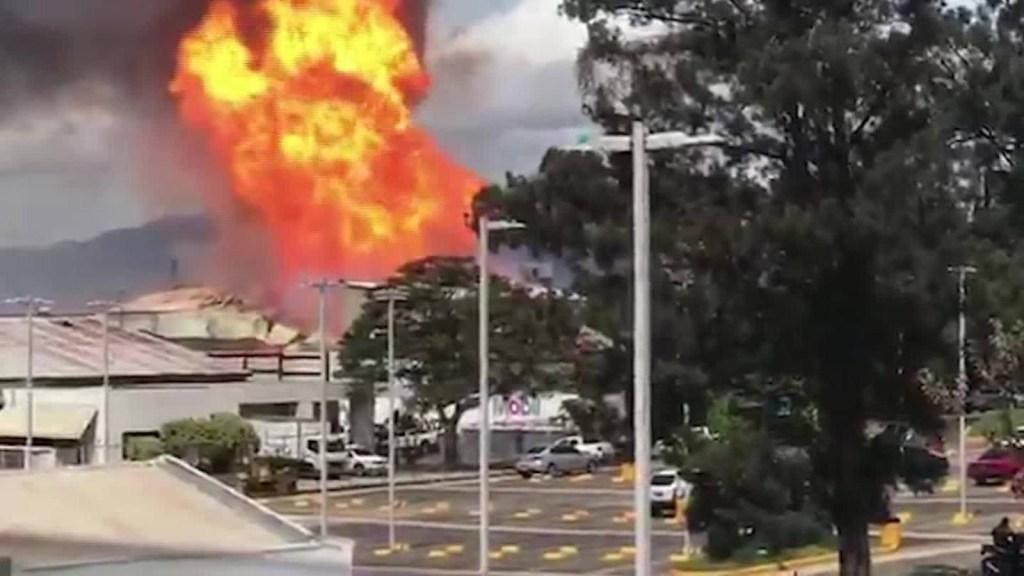 Así fue el voraz incendio al sur de Ciudad de Guatemala
