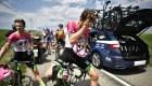 Ciclistas del Tour de Francia rociados con gas pimienta