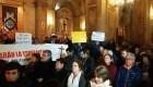 Manifestantes en Chile piden renuncia del arzobispo de Santiago