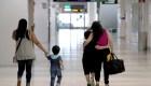 Se conocen más historias conmovedoras de niños separados de sus padres en la frontera