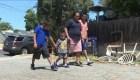 Madre guatemalteca se reúne con sus hijos separados en EE.UU.