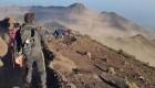 Sismo deja a cientos de personas atrapadas en un volcán