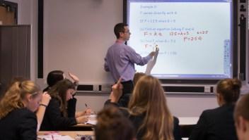 ¿Qué países les pagan mejor a sus docentes?