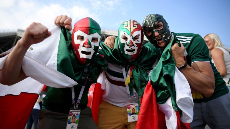 SAMARA, RUSSIA - JULY 02: Mexico fans enjoy the pre match atmosphere during the 2018 FIFA World Cup Russia Round of 16 match between Brazil and Mexico at Samara Arena on July 2, 2018 in Samara, Russia. (Photo by Matthias Hangst/Getty Images)