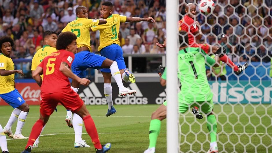 Fernandinho, de Brasil, marcó un gol en propia puerta y puso a Bélgica por delante en el minuto 13 del partido. (Crédito: Laurence Griffiths/Getty Images)