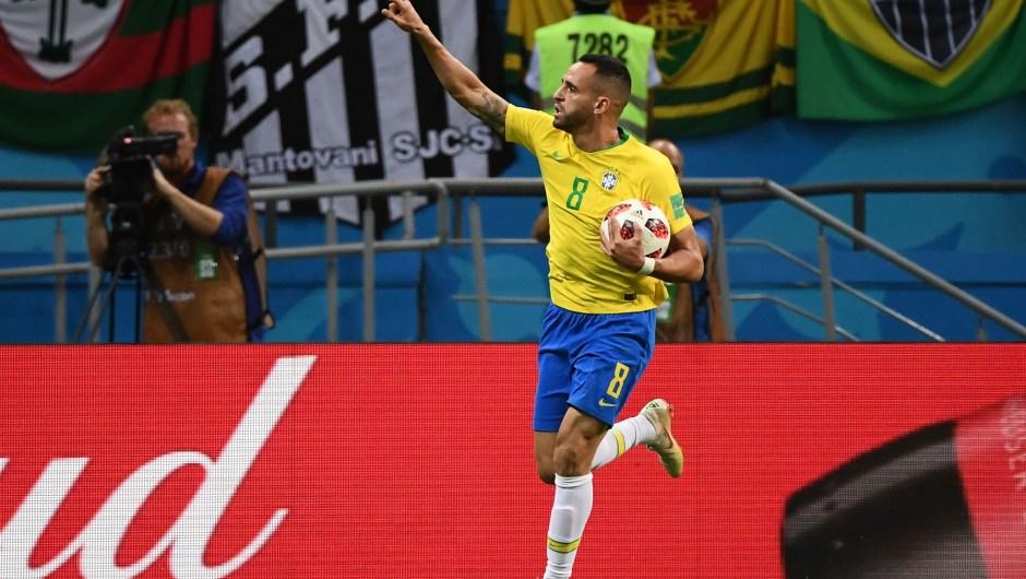 Renato Augusto marca en el minuto 76 y pone el partido Brasil 1 -2 Bélgica. (Crédito: JEWEL SAMAD/AFP/Getty Images)