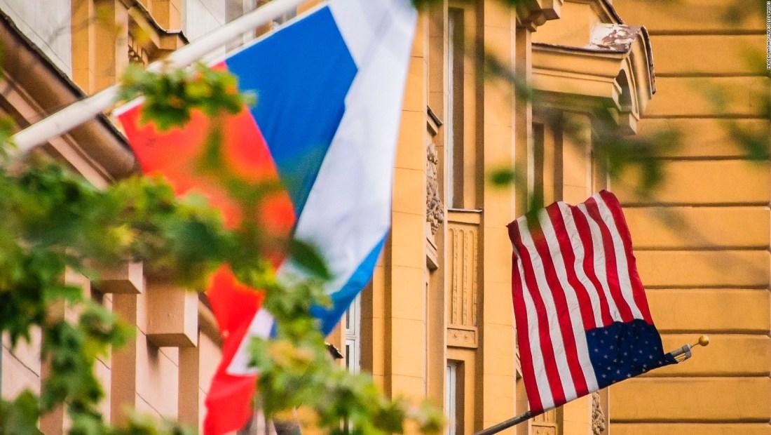 #MinutoCNN: Supuesta espía rusa trabajó durante años en la embajada de EE.UU. en Moscú