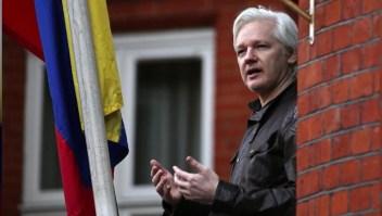Julian Assange busca apoyo en Australia