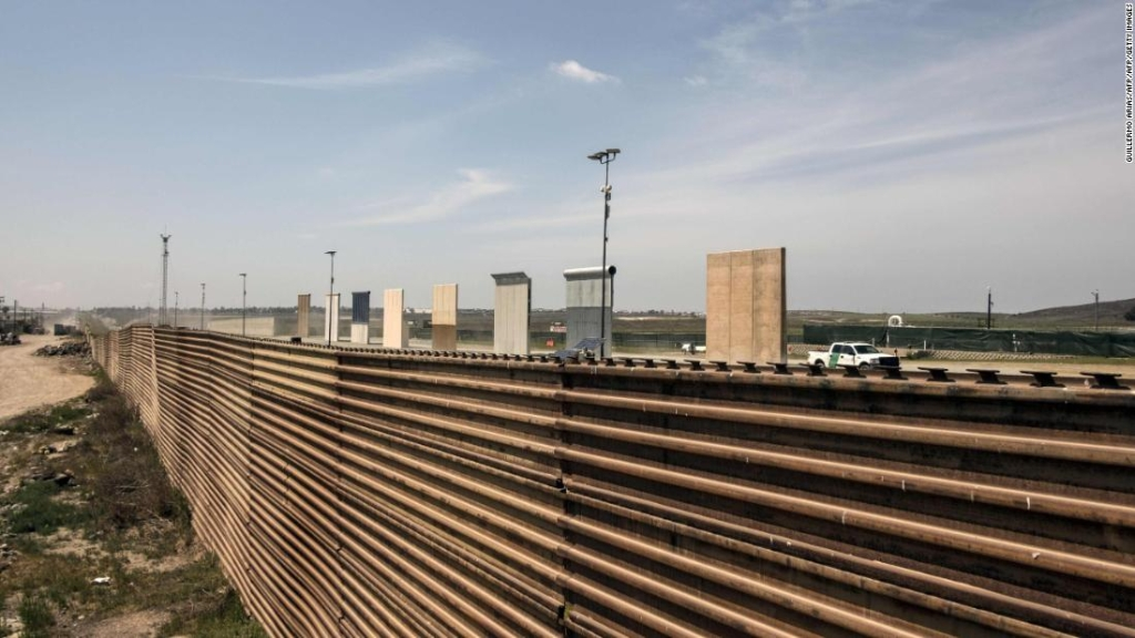 Muro fronterizo entre Estados Unidos y México