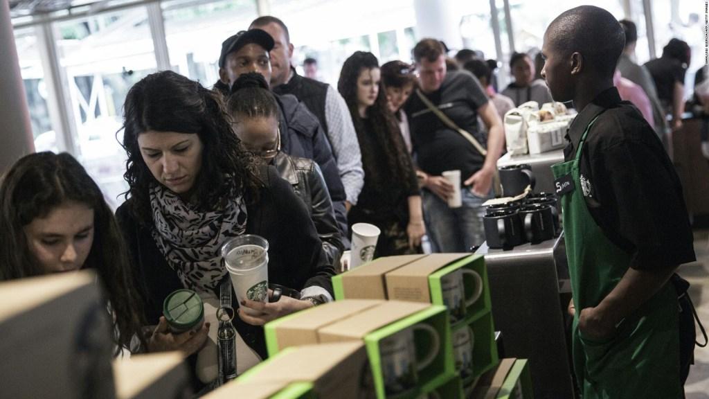 #ElDatoDeHoy: empleados de Starbucks participarán en tareas benéficas