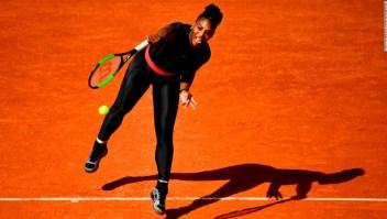 Serena Williams con su traje para jugar tras dar a luz