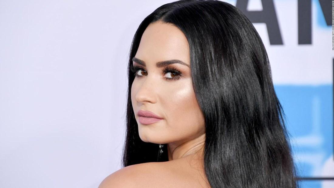 Demi Lovato aparece en la portada de People