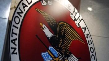 La NRA dice que dejará de existir y culpa a Andrew Cuomo