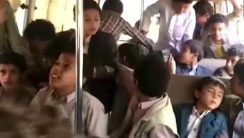 Video muestra el autobús escolar minutos antes de explotar en Yemen