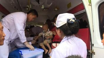Localizan niño atrapado en deslizamiento de tierra en China