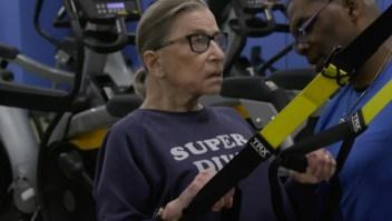 Los ejercicios de la jueza de 85 años de la Suprema Corte de EE.UU.