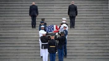 Así inició el adiós a John McCain en Washington