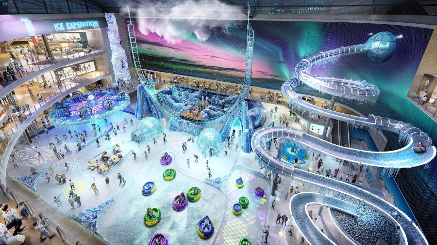Continuando con la tradición del Dubai Mall Space, con atracciones que desafían el clima, Dubai Square contará con un parque de aventura cubierto de temática invernal.