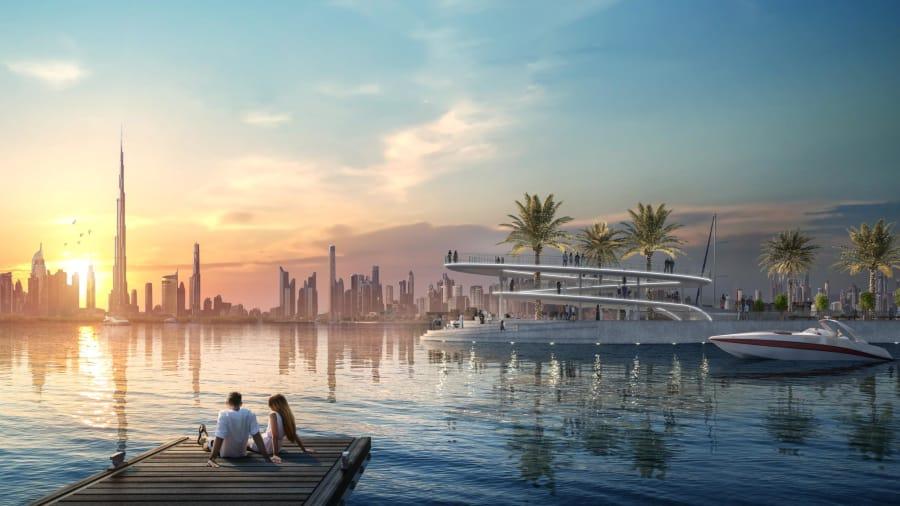 El puerto deportivo ofrece vistas del centro de Dubai al otro lado del arroyo.