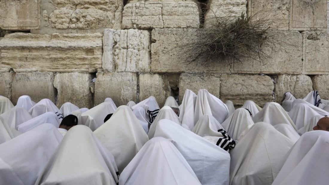 Embajador de EE.UU. se une a la festividad de Sucot en Israel.