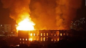 Autoridades investigan causas de incendio en museo de Brasil