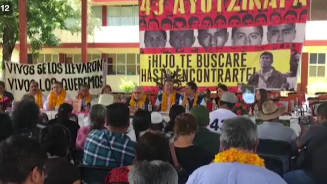 Familiares estudiantes de Ayotzinapa buscan justicia