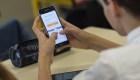 Francia prohibe los teléfonos inteligentes en escuelas primarias
