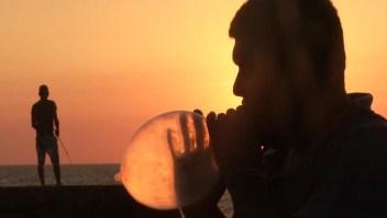 Los peculiares usos de los condones en Cuba