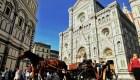 Multas para turistas que coman en las calles de Florencia
