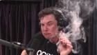 ¿Por qué Elon Musk fumó marihuana en este podcast?