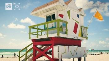Instalan casetas de diseño para los salvavidas de Miami Beach