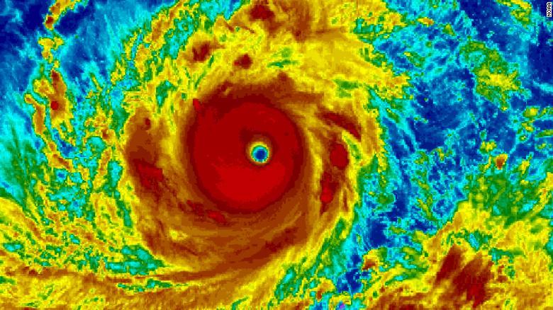 Una foto de satélite del super tifón Mangkhut, actualmente en movimiento sobre Filipinas y Hong Kong.