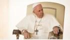 Francisco acepta la renuncia de otros dos obispos chilenos
